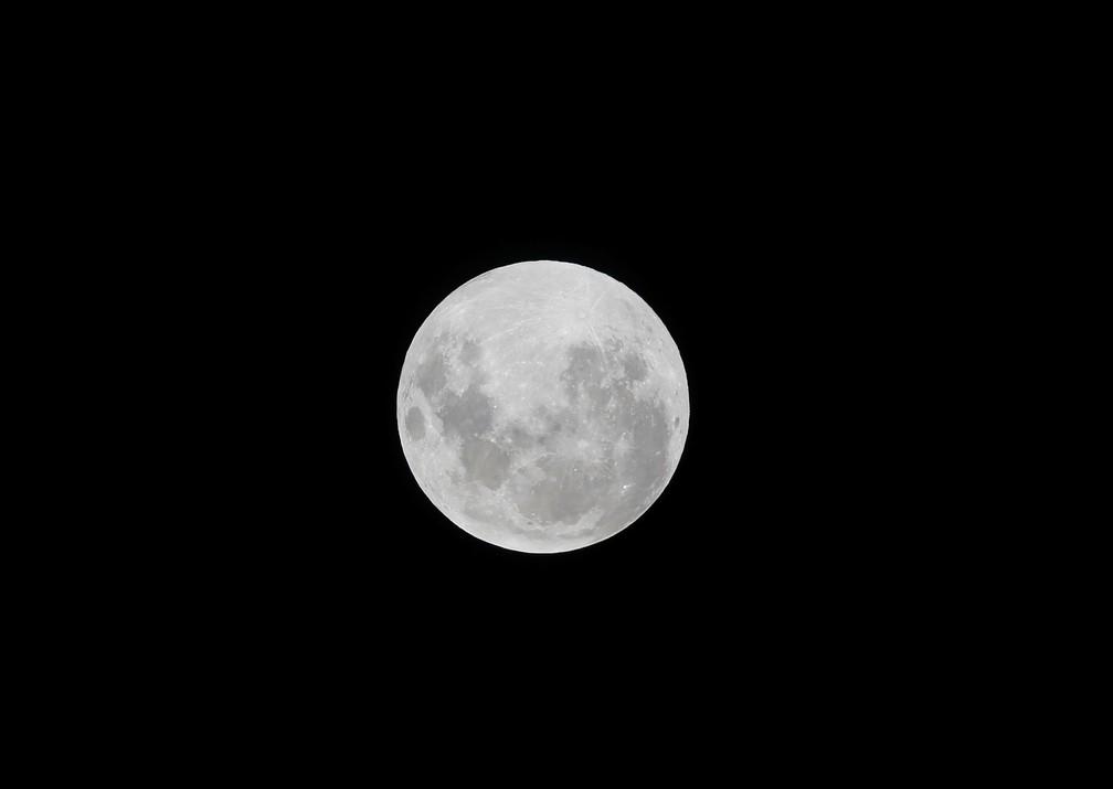 Eclipse lunar total visto de Colliguay, no Chile — Foto: Reuters