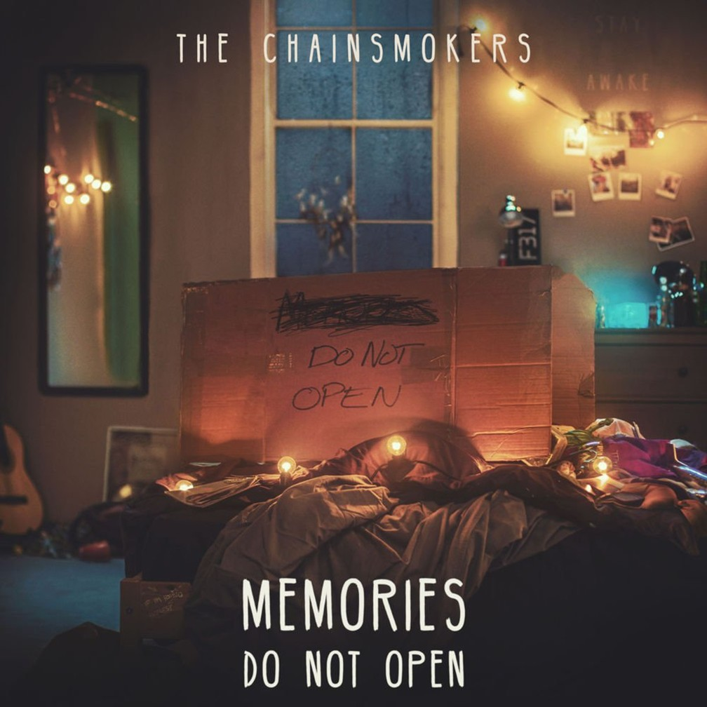 Capa do disco de estreia do Chainsmokers, 'Memories...Do Not Open' (Foto: Divulgação)