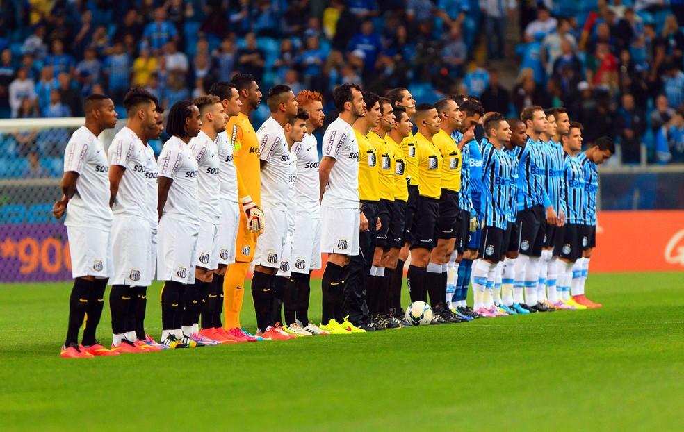 Grêmio foi eliminado nas oitavas da Copa do Brasil pela última vez em 2014, contra o Santos — Foto: Jeferson Guareze / Futura Press