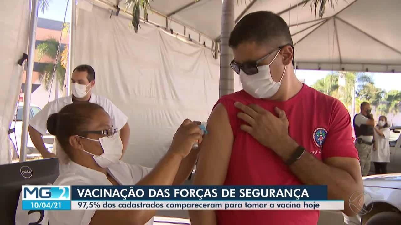 Forças de segurança recebem vacinação contra a Covid-19 em Divinópolis