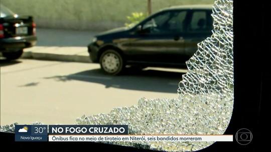 Ônibus com 38 passageiros fica no fogo cruzado na Ponte Rio-Niterói