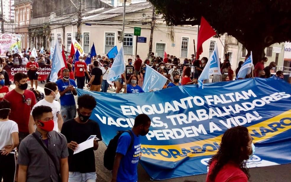 Manifestantes protestam contra Bolsonaro e a favor da vacina em Salvador — Foto: Divulgação/CSP-Conlutas