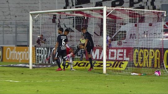 Com Sidcley em alta, Juninho Capixaba ganha atenção especial no Corinthians