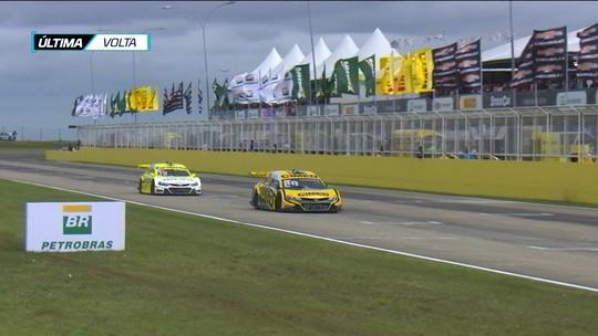 Fim do jejum: Marcos Gomes vence e soma 42 pontos na quinta etapa da Stock Car