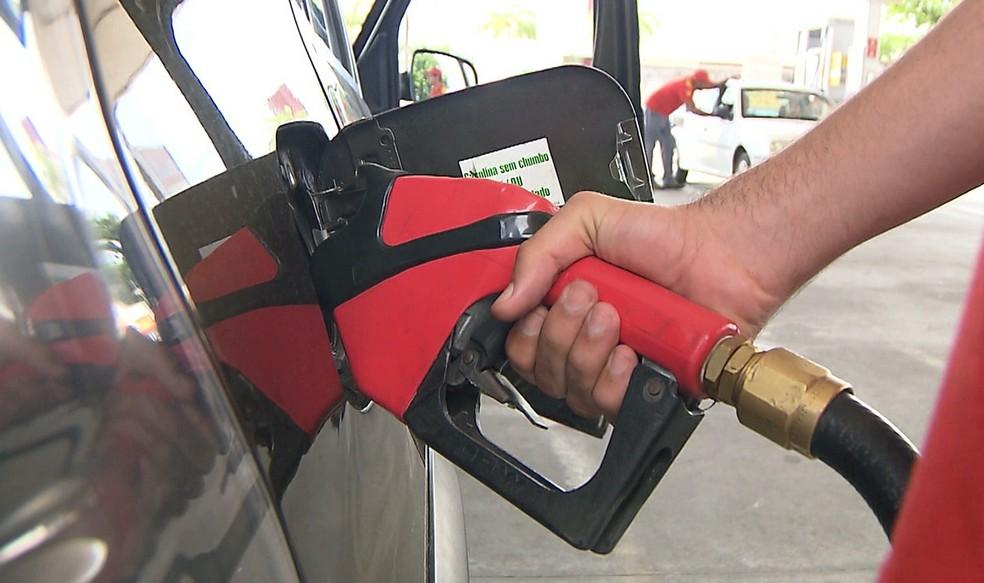 Postos de combustíveis de João Pessoa aumentaram preço da gasolina (Foto: Reprodução/TV Cabo Branco)