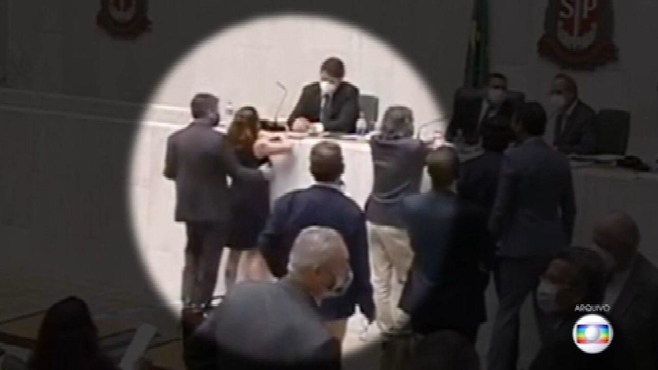 Conselho da Assembleia de SP aprova pena mais branda para deputado acusado de importunação sexual