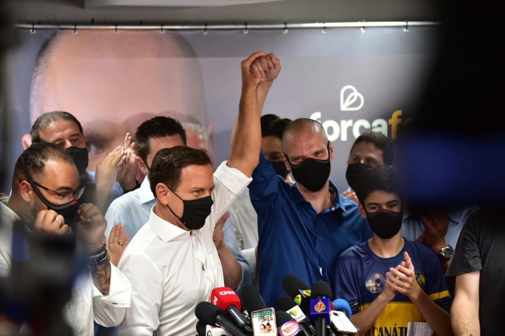 Doria e Covas na coletiva pós vitória — Foto: Fábio Tito/G1