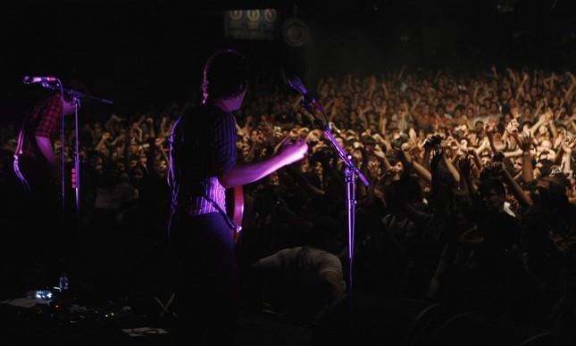 Total de zero pessoas de máscara nesse show do Franz Ferdinand na Fundição Progresso, em 2017