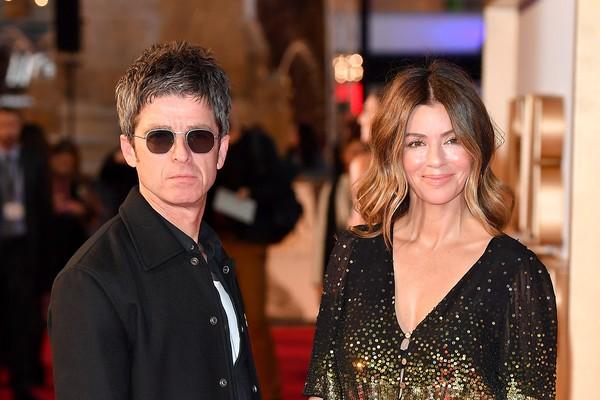 O músico Noel Gallagher com a esposa, Sara MacDonald (Foto: Getty Images)