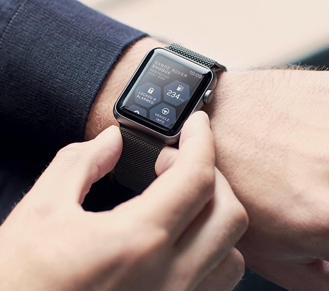 Range Rover Evoque - Aplicativo permite ver no smartwatch alguns dados de bordo, como consumo médio e emissões (Foto: Divulgação)