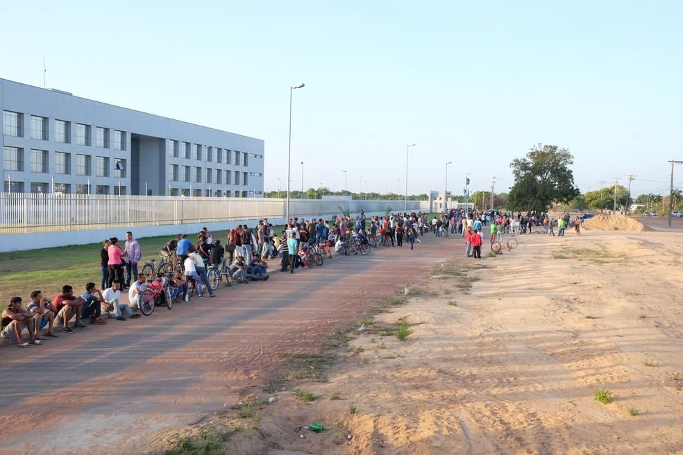 Venezuelanos fazem fila para agendar pedidos de refúgio e de residência temporária em Boa Vista (Foto: Inaê Brandão / G1 RR)