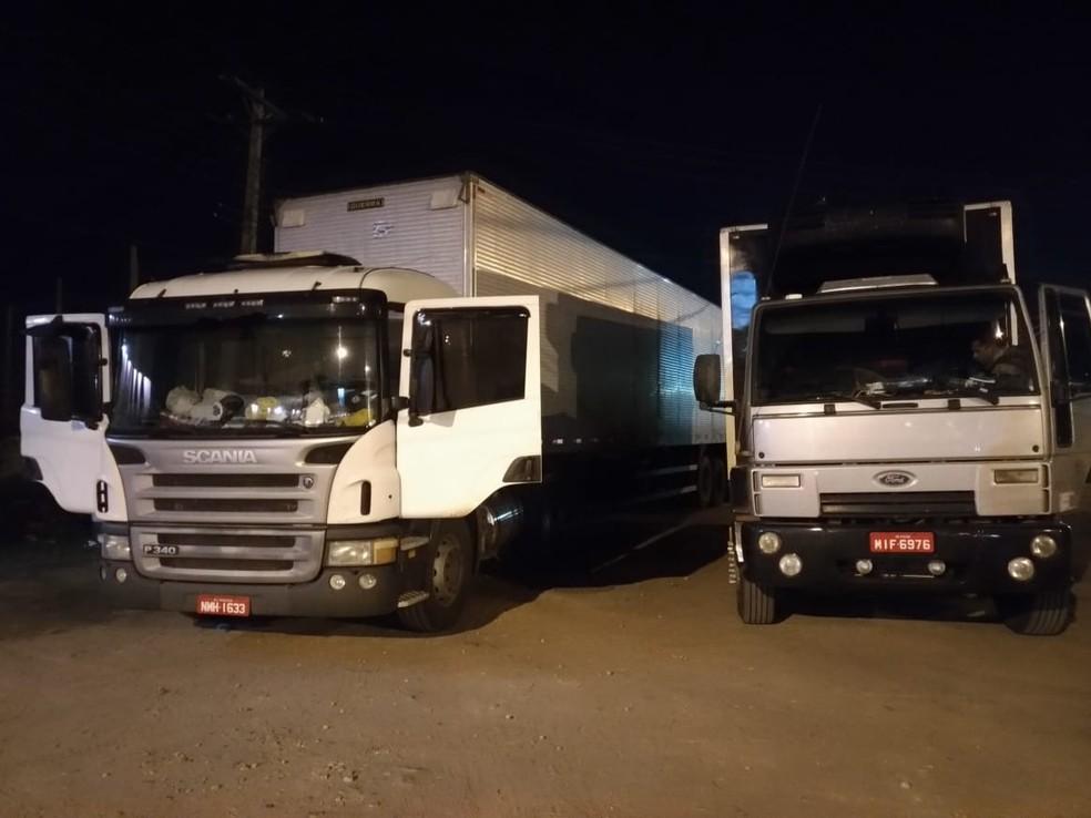 Caminhões foram levado para a delegacia da PF, em Juazeiro — Foto: Divulgação/SSP