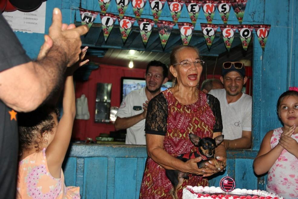 Mike Tyson comemorou três anos celebrou em bar no bairro Alvorada (Foto: Arquivo Pessoal)