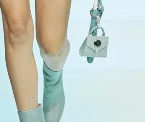 Semana de moda de Milão: minibolsas em formatos geométricos