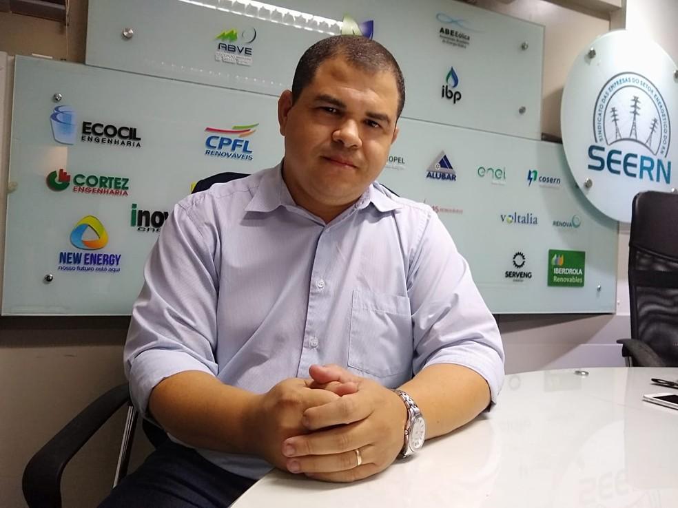 Darlan Santos, do Cerne, explica motivos do pioneirismo potiguar na produção de energia eólica — Foto: Igor Jácome/G1