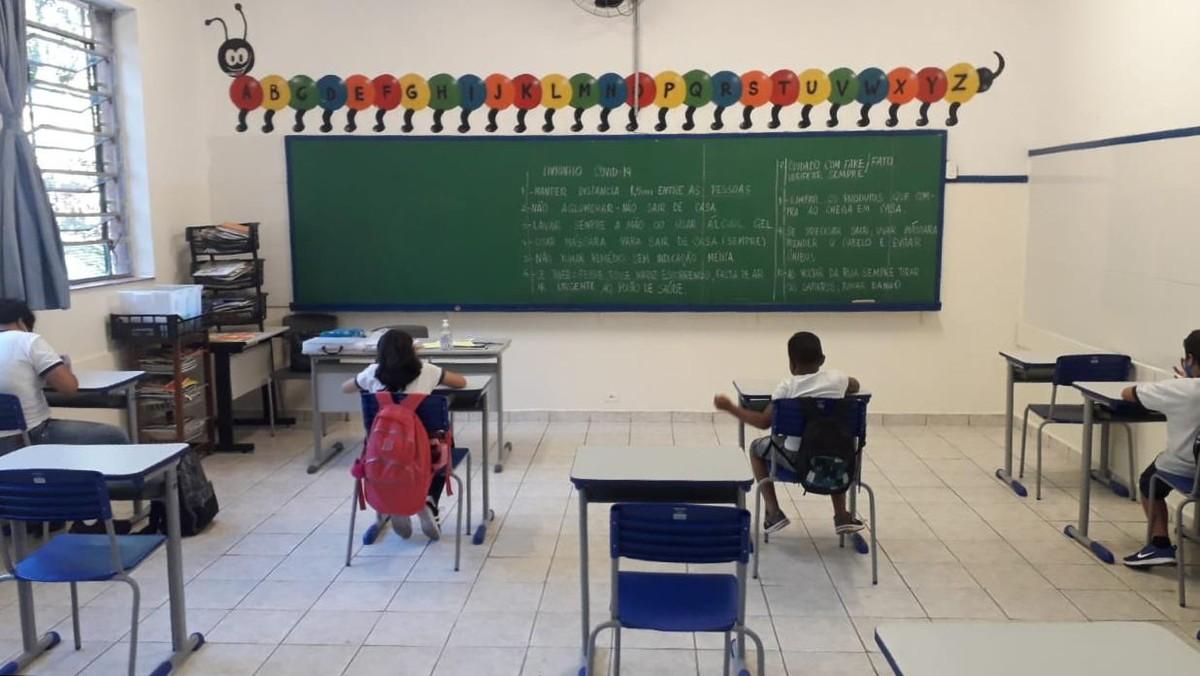 Priorizar abertura das escolas nas Américas é essencial, diz diretor de Emergências em Saúde da Opas