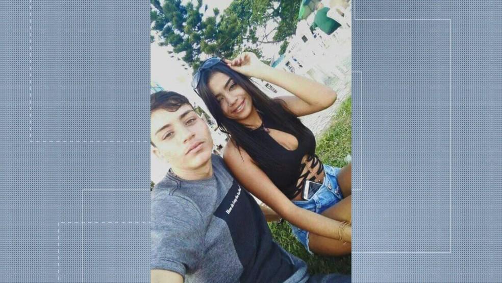 Casal morreu em acidente na Terceira Ponte. Kelvin Gonçalves dos Santos tinha 23 anos e a namorada dele Brunielli Oliveira, 17 — Foto: Reprodução/ TV Gazeta