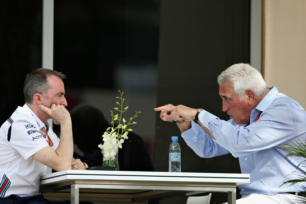 Lawrence Stroll e Paddy Lowe no paddock do GP do Barein (Foto: Charles Coates/Getty Images)