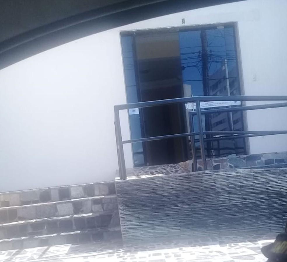 sede da Associação dos Subtenentes e Sargentos da PM e Bombeiros Militares do Rio Grande do Norte (ASSPMPMRN) foi invadida na madrugada deste domingo (29) (Foto: Divulgação)
