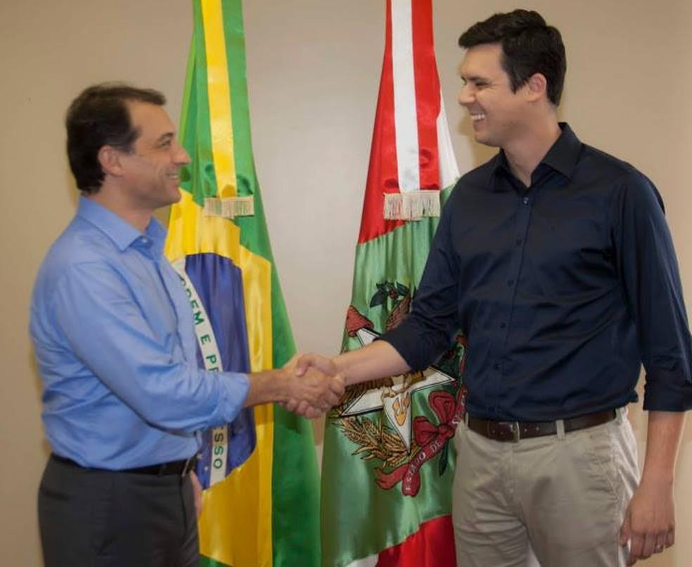 Carlos Moisés com Ricardo Dias — Foto: Equipe de transição do governo de Santa Catarina/Divulgação