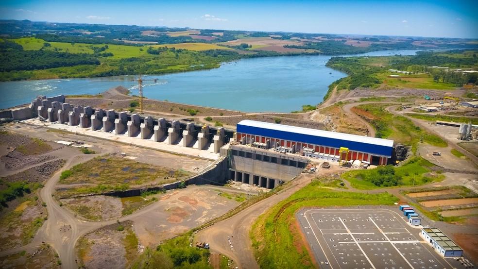 Queda no armazenamento de água de hidrelétricas em 2014 levou a uso mais intenso de térmicas e à necessidade de empréstimo — Foto: Divulgação