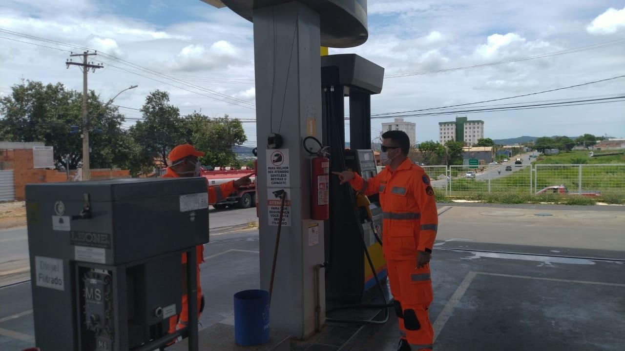 Postos de combustíveis são multados em Uberlândia e Uberaba durante Operação 'Alerta Vermelho'