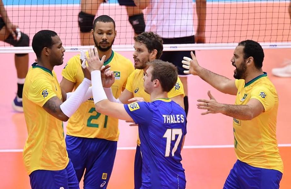 Brasil vence o Irã de virada, engata a quinta vitória e segue imbatível na Copa do Mundo