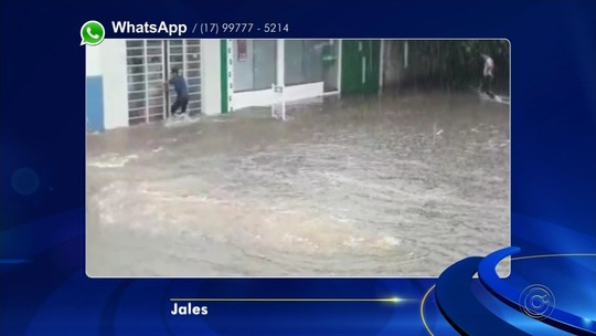 Chuva forte alaga ruas de cidades do noroeste paulista