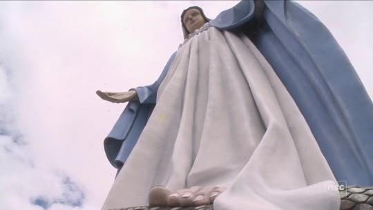 Laurentino inaugura estátua gigante de Nossa Senhora das Graças