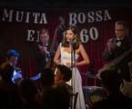Maria Casadevall em cena de 'Coisa mais linda' | Aline Arruda / Netflix