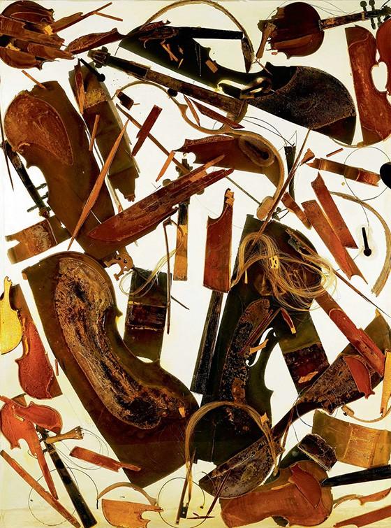 Casa Quintette, violinos e violoncelos em acrílico, obra de 1971 do artista franco-americano Arman (Armand Fernandez, 1928-2005) (Foto: WWW.BRIDGEMANIMAGES.COM)