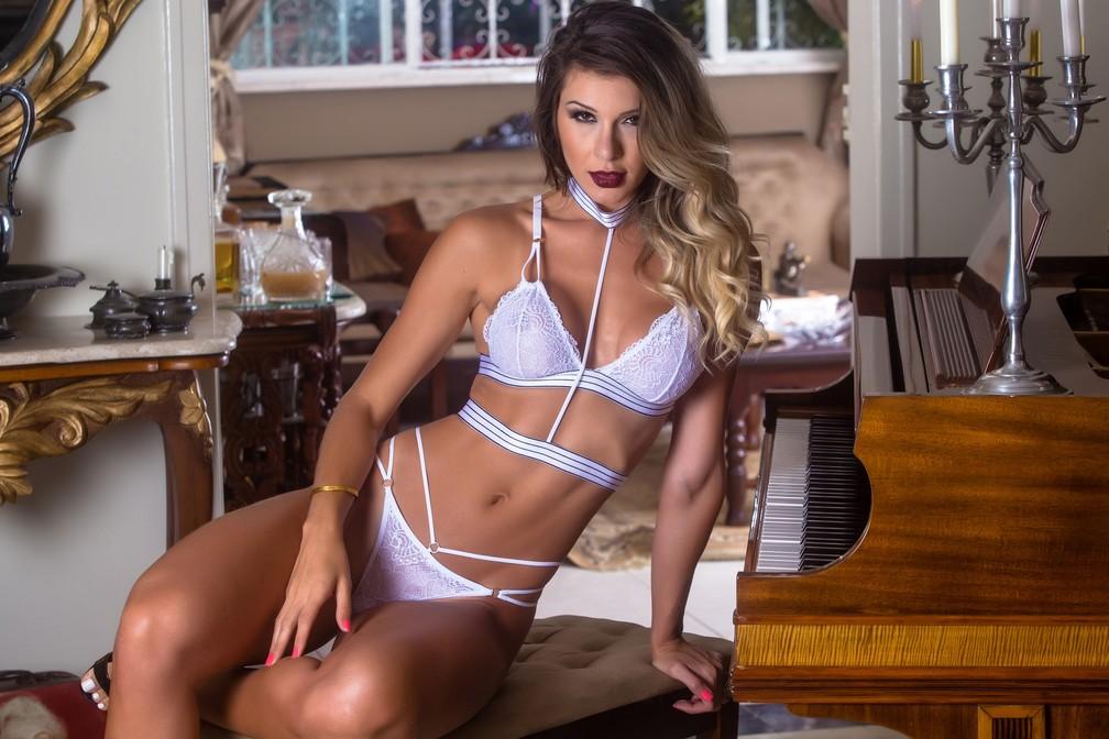 Confecção de Juruaia (MG) aposta em fantasias sensuais  (Foto: Divulgação/Garota Veneno)