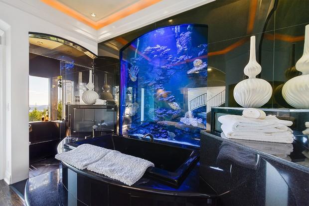 Lars Ulrich, baterista do Metallica, vende mansão por  (Foto: Divulgação/Compass)