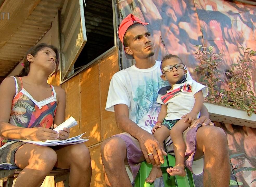 Família precisa de ajuda — Foto: TVCA/Reprodução