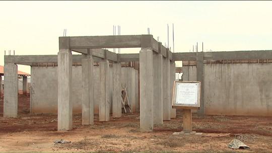 Obras inacabadas são inauguradas por prefeitos em fim de mandato