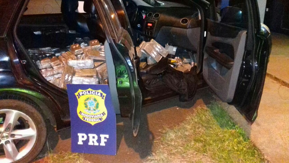 613 quilos de maconha estavam dentro do veículo, conforme a PRF (Foto: PRF/Divulgação)