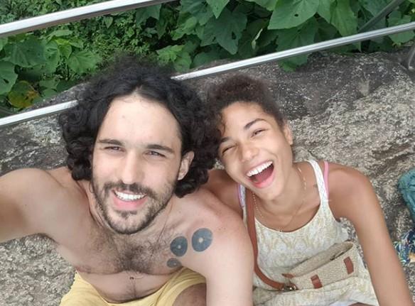 Bruna Inocencio com o marido, Neto Cajado (Foto: Reprodução Instagram)