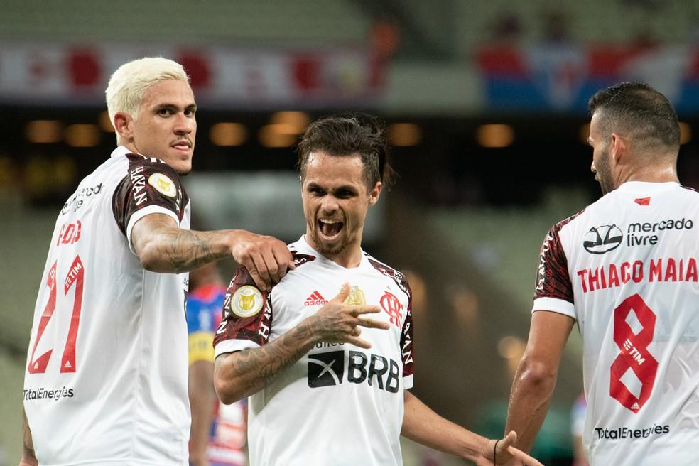 Renato garante Flamengo vivo: Muito grande para desistir de qualquer competição