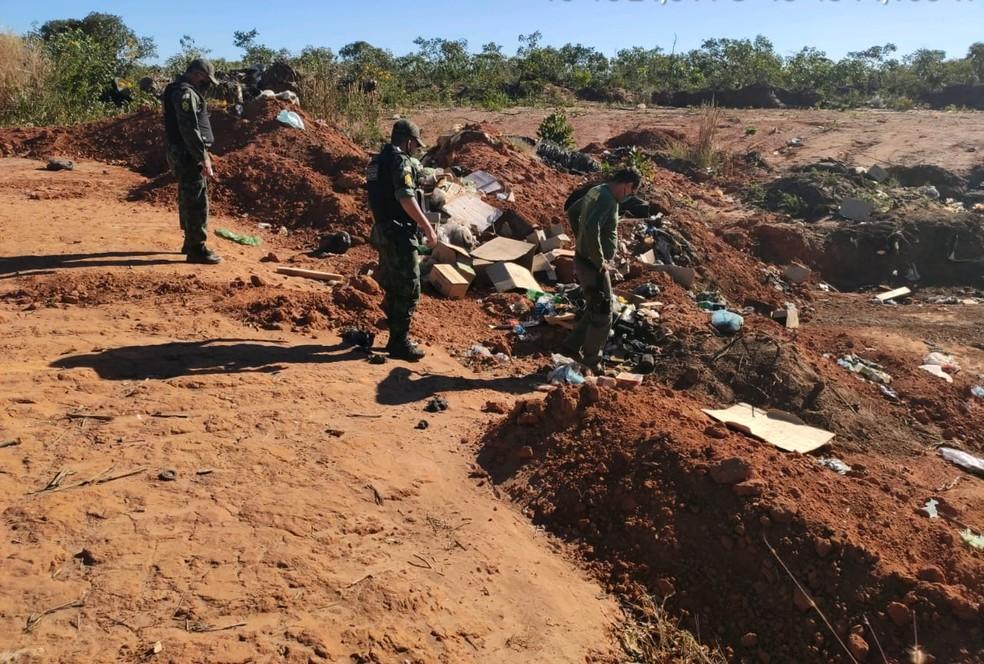 Fiscais encontraram até lixão em local que deveria ser reserva — Foto: Ibama/Divulgação