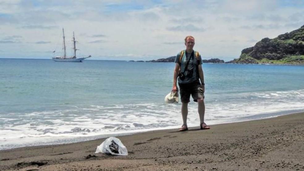 """""""Me surpreendeu o quão valioso foi estar pessoalmente na ilha. Quando você está lá, vê claramente o que acontece com o terreno"""", disse Dan Slayback, pesquisador da Nasa. — Foto: Dan Slayback"""
