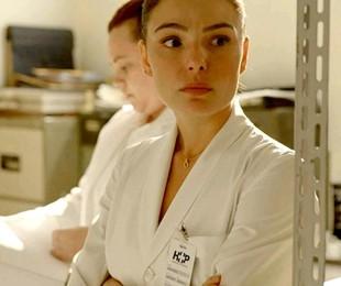 Isis Valverde em cena como Betina de 'Amor de mãe' | Reprodução