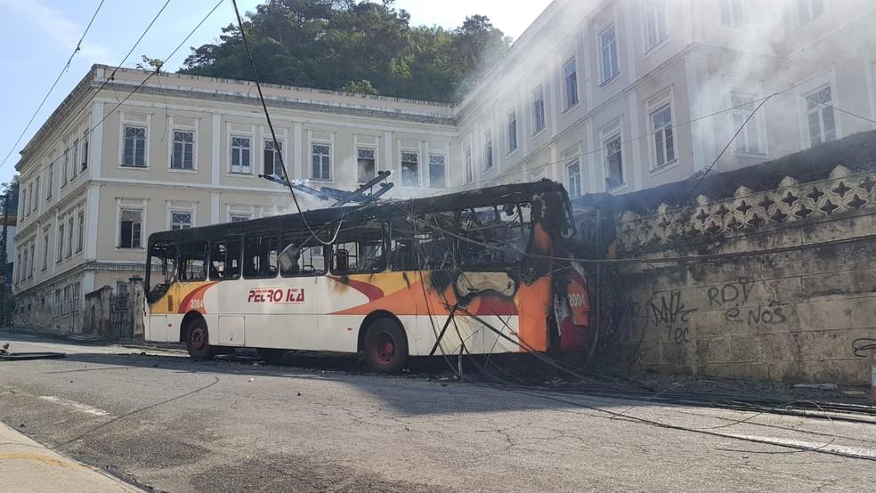 Acidente aconteceu  no Centro da cidade nesta segunda (4) — Foto: Gladstone Lucas / Inter TV