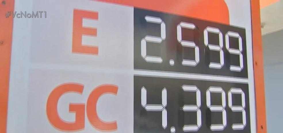Litro do etanol aumento quase R$ 0,60 em alguns postos de combustíveis de Cuiabá. — Foto: TVCA/Reprodução