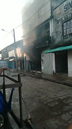 Fogo destrói estabelecimento comercial durante madrugada em Cametá