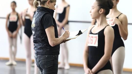 291 bailarinos participam de audição para entrar na Escola do Teatro Bolshoi de Joinville