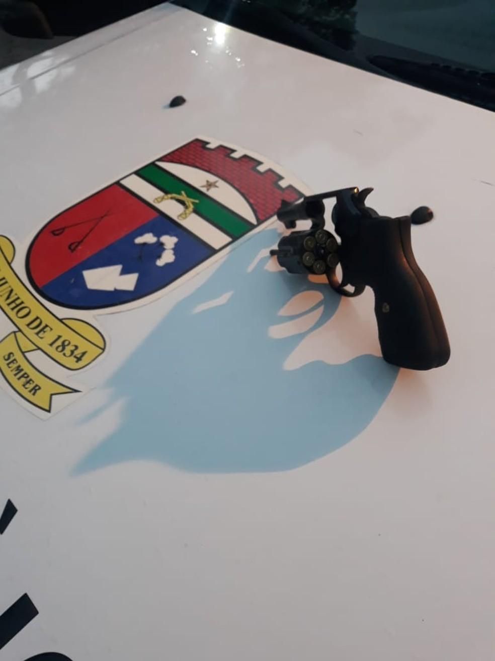 Arma encontrada com o suspeito de envolvimento no crime que matou um coronel da Polícia Militar, em dezembro, em Natal — Foto: Divulgação/Polícia Militar