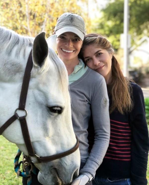Selma Blair e sua treinadora (Foto: Instagram)