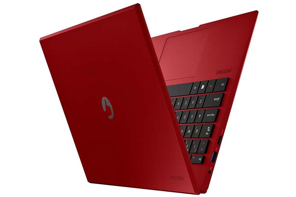 Motion Red Q232B tem especificações que podem limitar a experiência de uso do Windows 10 — Foto: Divulgação/Positivo