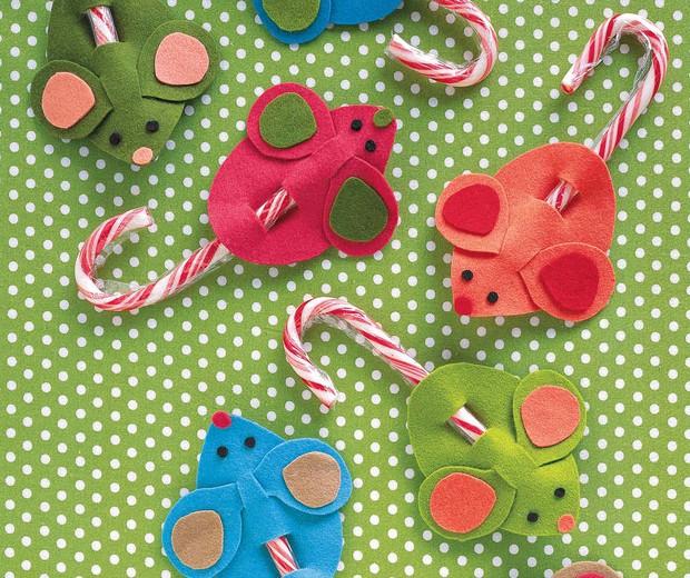Ratinhos de feltro levam rabo de bengala de Natal (Foto: Reprodução Martha Stewart)