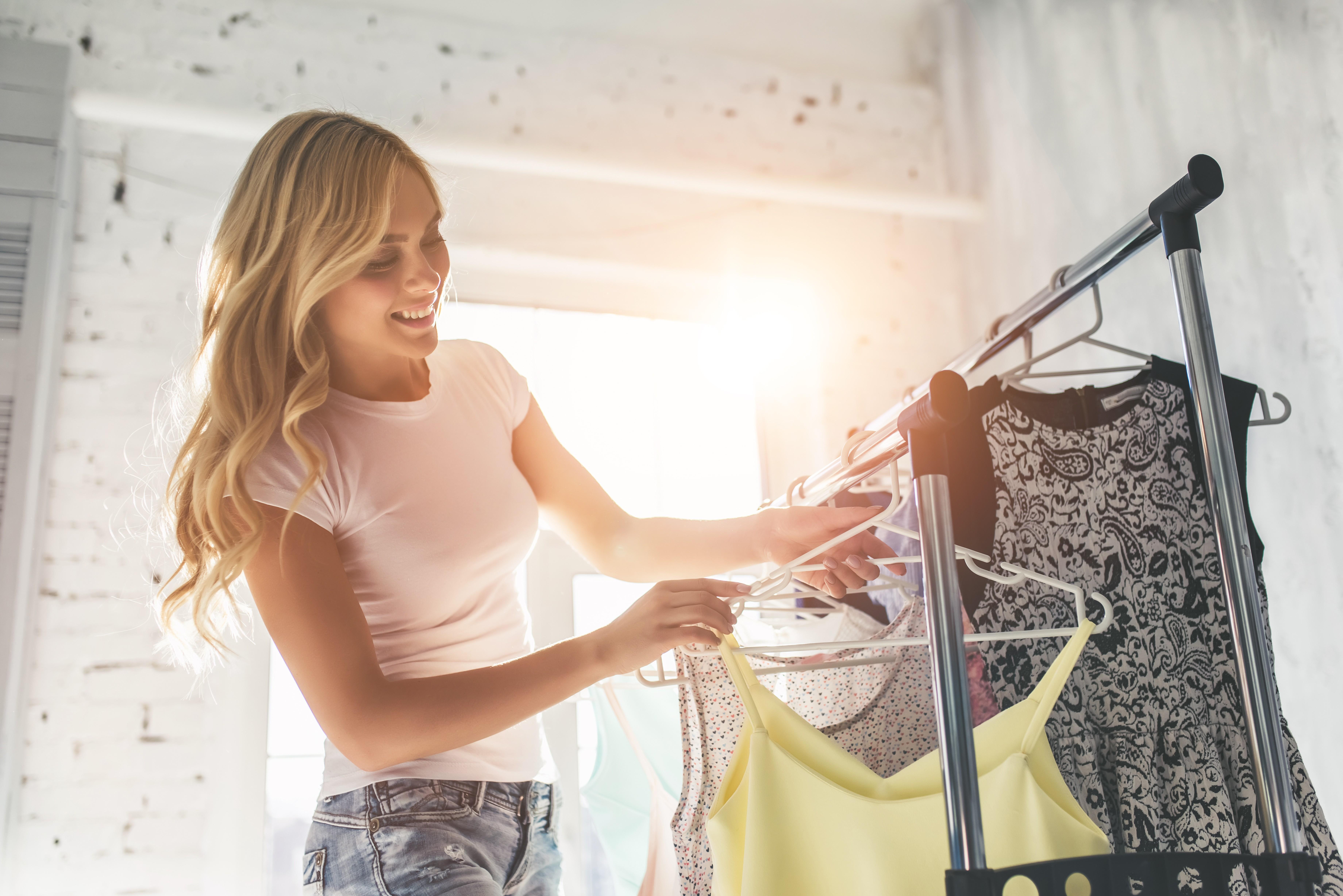 Confira dicas para manter suas roupas perfumadas dentro do guarda-roupa (Foto: Thinkstock)